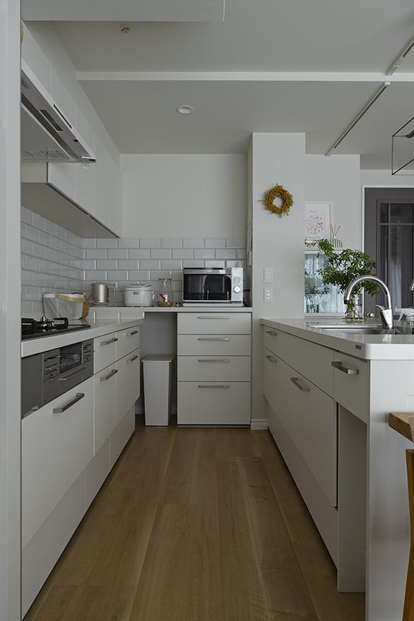 システムキッチンの角に生まれるデッドスペースの有効活用